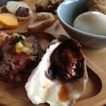 パイレートシップ - 牡蠣、ローストビーフ、カナッペ、おでん等
