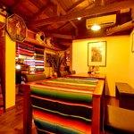 メキシポン - 2階テーブル席。9〜12名様で貸切可能!