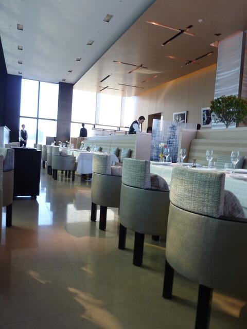ベージュ アラン・デュカス 東京 - 2012年12月Xmas期間でしたが、満席にはなりませんでした。