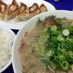 16673677 - 餃子定食