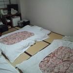 16673767 - 宿坊なので布団は自分で敷きます。
