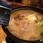 喜楽屋 - 煮採鍋¥780-。有り物で作られる。巾27×奥行10×高さ32cm(9号鍋)の大きさでこの値段はすごい。