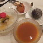 中国料理 桃翠 - 黒ゴマ団子,サツマイモのあんかけ,杏仁豆腐,マンゴープリン。