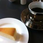 テオレマカフェ - チーズケーキとコーヒー