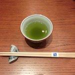沙伽羅 - 卓上のお茶です