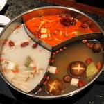 16684315 - 2012.12 三味薬膳スープ(麻辣紅湯、香清湯、美肌白湯)