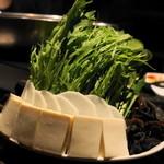 シャングリラ - 2012.12 豆腐、大根、水菜、キクラゲなど