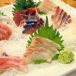 魚八商店 -