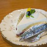 Cafe 傳 - レアチーズケーキ