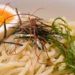 洛二神 - 魚濃(うおこい)つけ麺