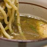 洛二神 - 魚濃(うおこい)つけ麺2