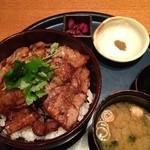 16694554 - 黒豚炭火焼丼