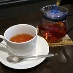 16694827 - 紅茶(300円)
