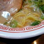 ラーメン 田中九商店 - 麺とスープ