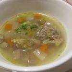 ブラッスリー カズ - 牛筋と根菜のスープ