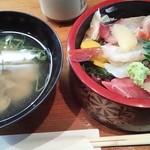 きらく鮨 - 昼の特上海鮮丼
