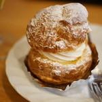 しろくまカフェ - シュークリーム