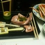 Nishimurayahonkan - 前菜の肴と松葉かにのゆでがに。