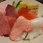 すし元 - 1200えん 特選海鮮丼(マグロ ブリ イカ サーモン 白身魚 玉子 イクラ)2013.1