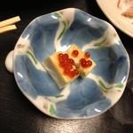 つきの井 - 付きだしはイクラ豆腐♪