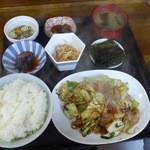 旨くて安くて 御麺 - 料理写真:肉やさいいため定食