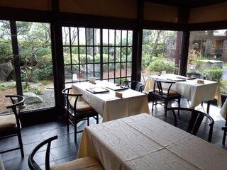 下鴨茶寮 本店 - 美しい庭を見つつ