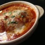 Divo - トマトソースでじっくり煮込んだハンバーグ