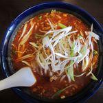 四川龍門 - 麻辣湯麺の大盛り