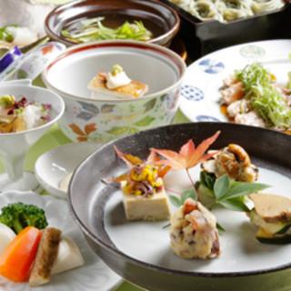 四季を愉しむ旬味活かした、彩り豊かな創作料理の数々