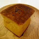 ブーランジェリー 14区 - クリームチーズとこしあんのキューブ 160円