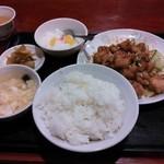 16724849 - 若鶏の特製ソース750円