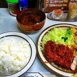 キッチン南海 - チキンカツしょうが焼き盛合せライス¥700