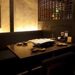木村屋本店 - 暖簾で区切れる半個室