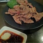 立呑み厨房 いち - 2013.1.8 名物!ビーフステーキ(タレ)480円は必食せよ!