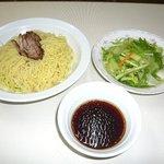チノス - 野菜たっぷりつけ麺(650円・ハーフ400円)