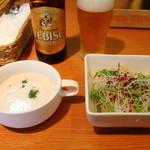 パッセジャーレ - セットメニューのサラダ、スープ、ドリンク