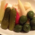 バルボーネ - グリーンオリーブとピクルス