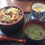 久慈浜 みなと寿し - 海鮮バラちらし  海苔汁  茶碗蒸し付き