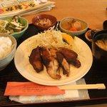 1674113 - 680円日替わり チキンのネギゴマ風味