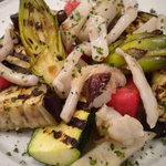 ビストロ クロシェット - グリルしたもんごいかと夏野菜の温サラダ