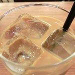 ラ ココリコ - パスタランチ 1000円 のアイスカフェオレ