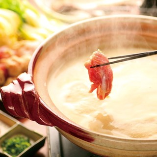 【オススメ】白濁の濃厚スープ水炊き鍋