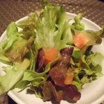 AZ DINING - ランチのサラダ