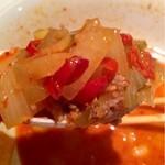錦珍楼点心舗 - 担担麺にはたっぷりの具材が入ってます。