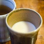 根津とうふ工房 須田 - 豆乳