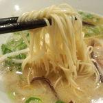 博多 一風堂 - 博多ラーメン特有の麺