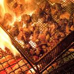 黒木屋 宮崎清武加納 - 当店自慢の炭火焼き!!迫力ある光景から味の良さがうかがえます。
