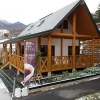 ログカフェ スノードーム - 柱と梁が丸太でできているログハウスです。