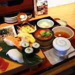 産直鮮魚寿司炉端 源ぺい - 冬の彩り膳1290円