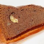 セセシオン - 栗とショコラのクグロフ<カット>(1個でもケーキボックスに入れてもらった、2012年12月)